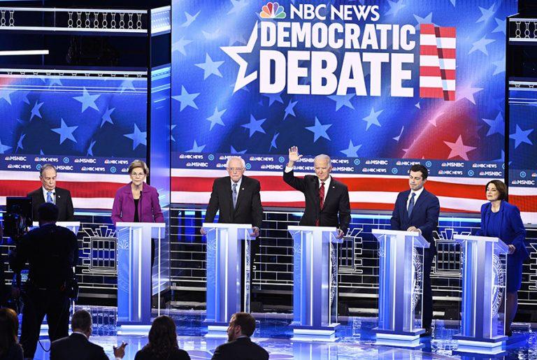 Ντιμπέιτ Δημοκρατικών: Όλοι εναντίον του Μάικλ Μπλούμπεργκ (Βίντεο)