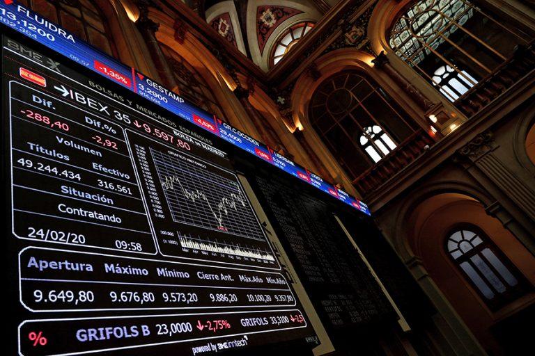 «Ράλι» στα Χρηματιστήρια – Οι κεντρικές τράπεζες βγαίνουν μπροστά