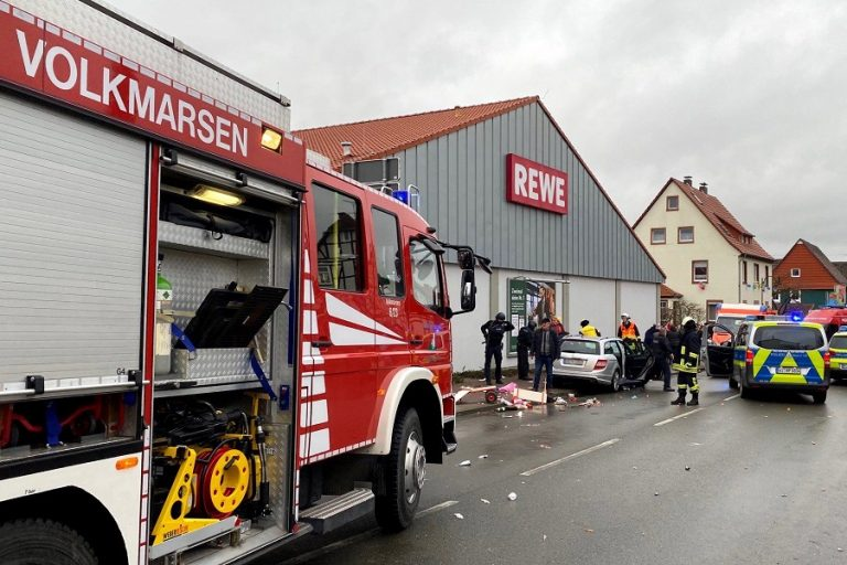 Γερμανία: Aυτοκίνητο έπεσε πάνω σε καρναβαλικό άρμα στο Κάσελ. Περισσότεροι από 30 τραυματίες – Συνελήφθη ο οδηγός