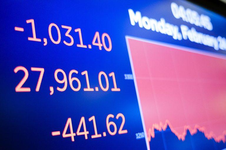 Συναγερμός για την ελληνική οικονομία- Τα τρία σενάρια λόγω κορωνοϊού
