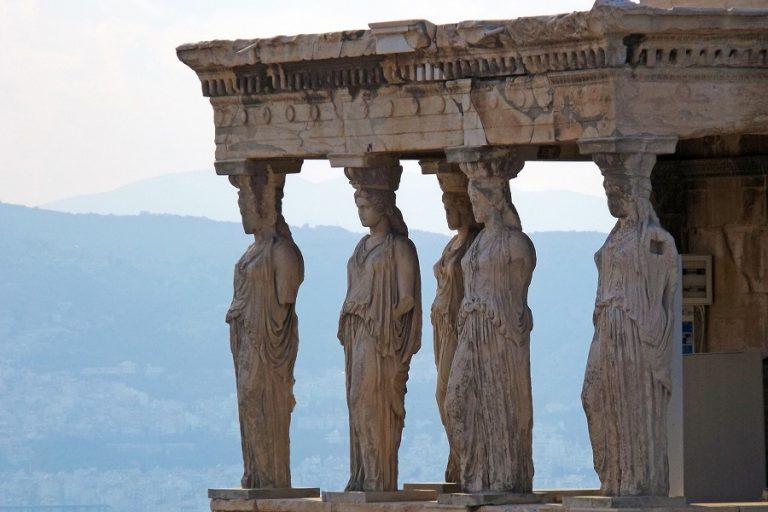 Eurobank: Ποιοι τουρίστες άφησαν τα περισσότερα χρήματα στην Ελλάδα