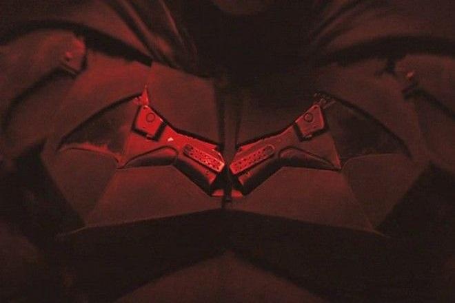 Batman: Το κρυμμένο σύμβολο στη στολή του και η ανατριχιαστική θεωρία