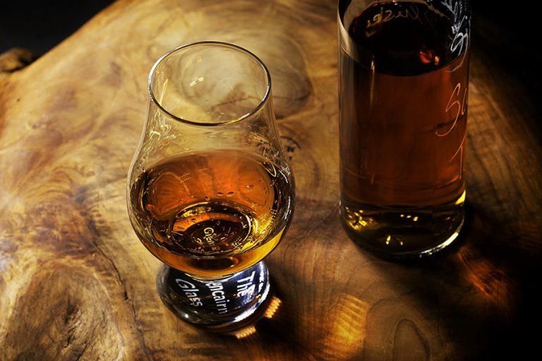 «Κόντρα» στους αμερικανικούς δασμούς πάει το σκοτσέζικο ουίσκι – 4% πάνω οι εξαγωγές