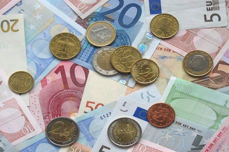 Κομισιόν: Ιστορική ύφεση 7,7% φέτος στην ΕΕ – «Πρωταθλήτρια» η Ελλάδα με 9,7%