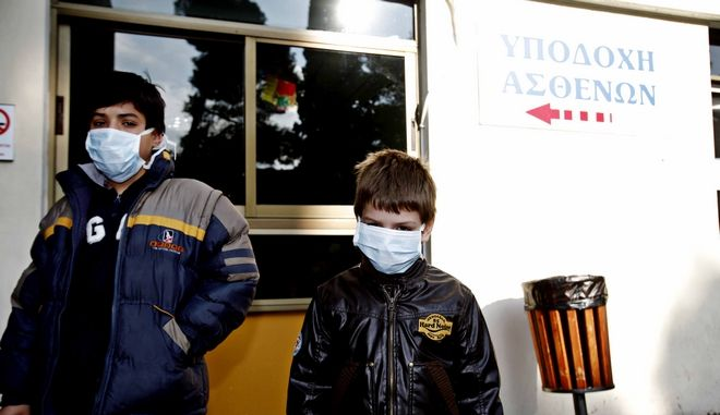 Κορωνοϊός: Κερδοσκοπία με τις μάσκες στην Ελλάδα – Ανέβασαν 300% την τιμή