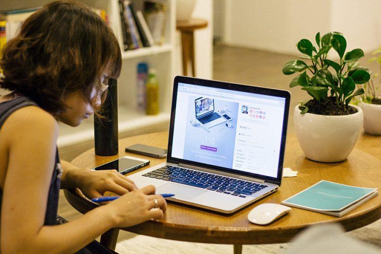 Γιατί είναι απαραίτητο οι εταιρείες να καταρτίσουν το προσωπικό τους για τη νέα ψηφιακή οικονομία