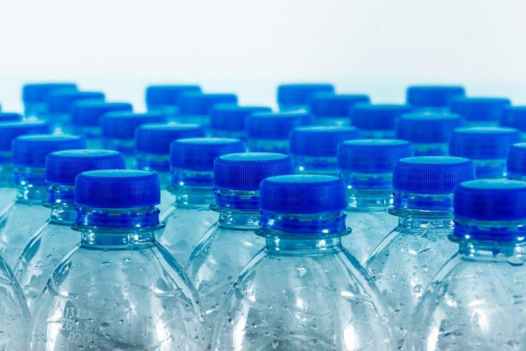Η καναδική εταιρεία που μετατρέπει τα πλαστικά απόβλητα σε οικοδομικά υλικά