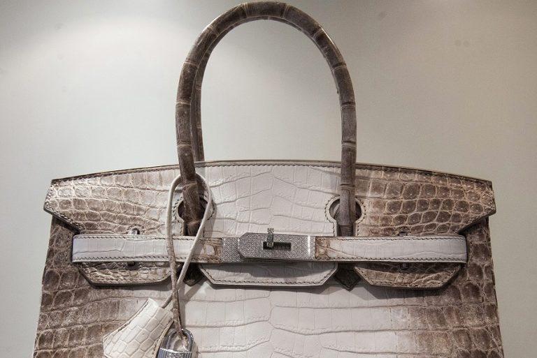 Ποιος χρυσός; Η νέα επικερδής επένδυση είναι… οι τσάντες Birkin της Hermès
