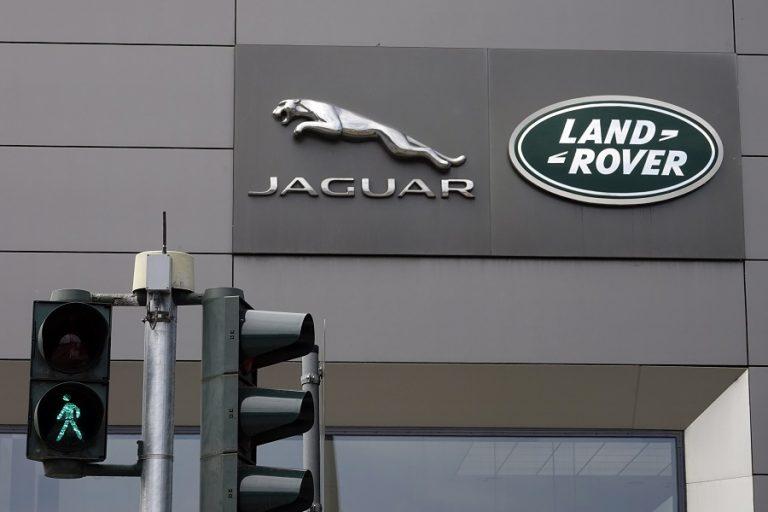 Jaguar Land Rover και Bentley αναστέλλουν την παραγωγή οχημάτων στην Βρετανία μέχρι νεωτέρας