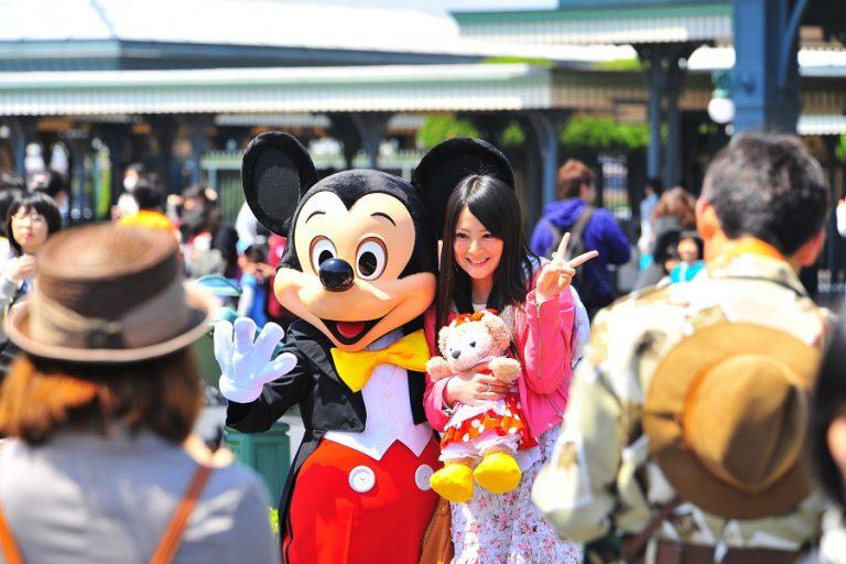 «Λουκέτο» στα θεματικά πάρκα της Disney και των Universal Studios λόγω κορωνοϊού