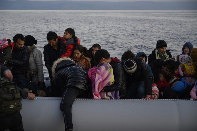 Η τουρκική ακτοφυλακή ανακοίνωσε ότι απαγορεύει πλέον σε μετανάστες να επιχειρούν να διασχίσουν το Αιγαίο