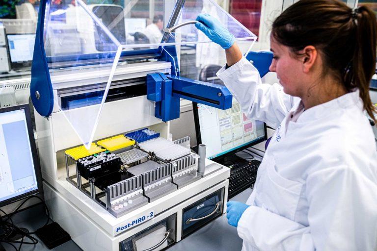 Έλληνες ερευνητές αναπτύσσουν μοριακά τεστ και τεστ αντισωμάτων