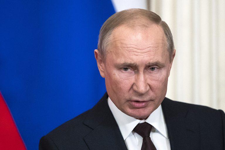 Σε αυτοπεριορισμό ο Πούτιν- Βρέθηκαν κρούσματα κορωνοϊού στο περιβάλλον του