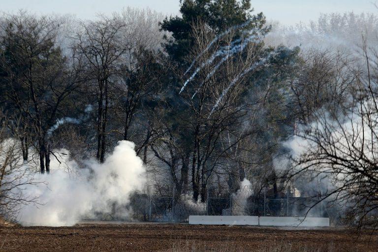 Ένταση και δακρυγόνα στις Καστανιές Έβρου (Βίντεο)