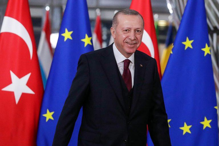 Ο Ερντογάν πανηγυρίζει την απόρριψη των κυρώσεων από την ΕΕ