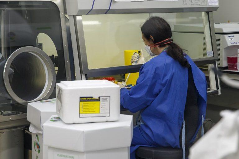 Fortune Ρεπορτάζ: Εκτός καλύψεων οι περισσότερες επιχειρήσεις, τι ισχύει για τα νοσήλια και για το τεστ του κορωνοϊού