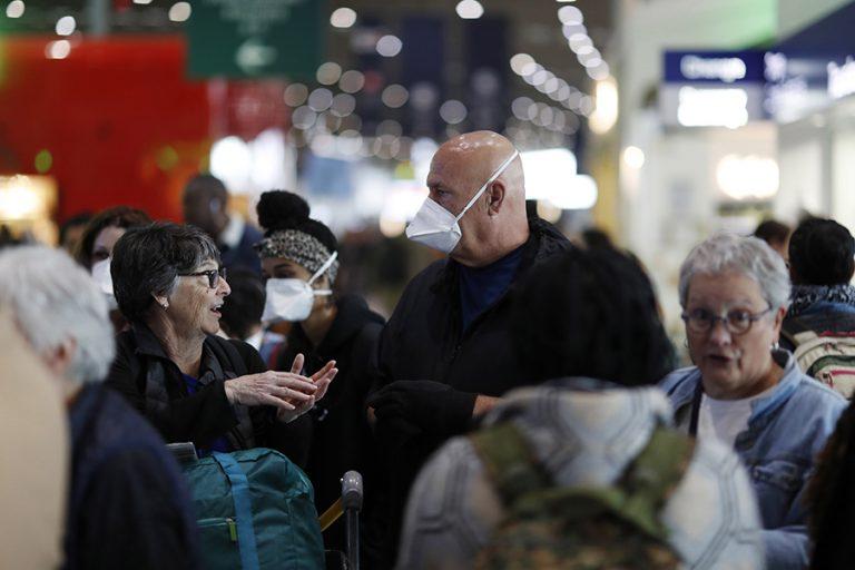 Πανικός στους ταξιδιώτες από την ξαφνική ανακοίνωση σαρωτικών περιορισμών από τον Τραμπ