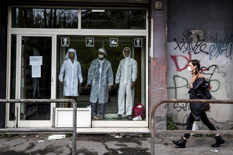Σοκάρουν οι εικόνες από νοσοκομείο του Μπέργκαμο – «Ετοιμαστείτε!» το μήνυμα των γιατρών