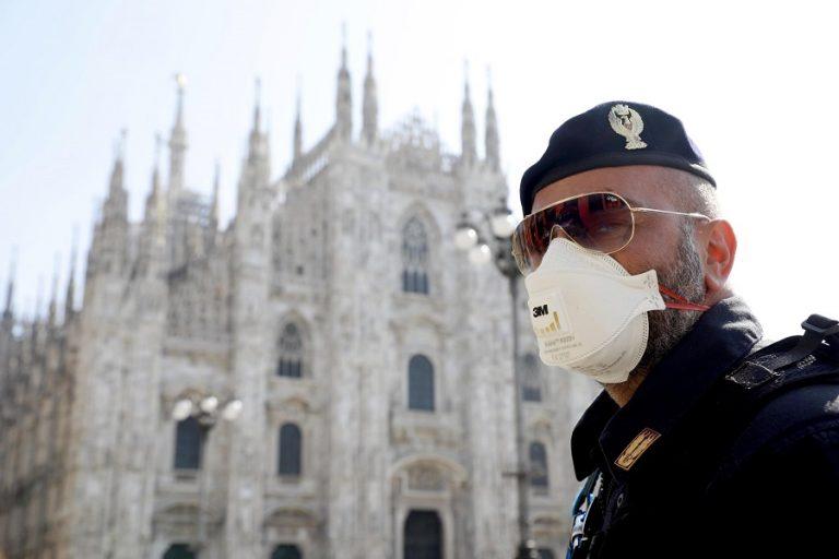 Ξεκινά στην Ιταλία η χορήγηση της 3ης δόσης εμβολίου κατά κορωνοϊού σε ευπαθείς ομάδες