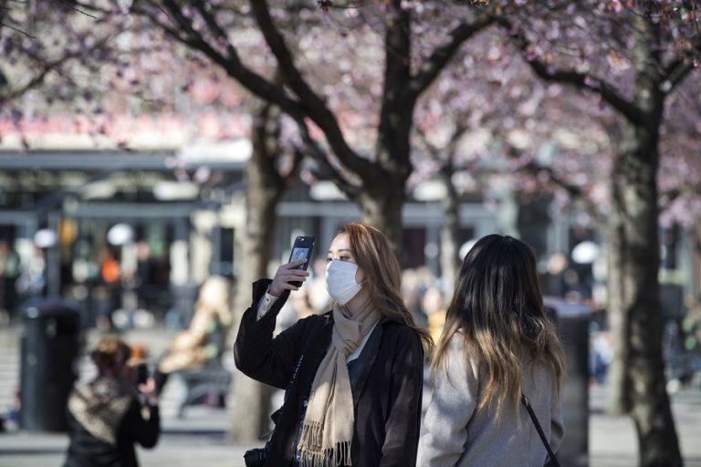 Eλληνική μελέτη αποκαλύπτει: Ελπίδες για φρένο στη μετάδοση του κορωνοϊού δίνουν οι υψηλές θερμοκρασίες