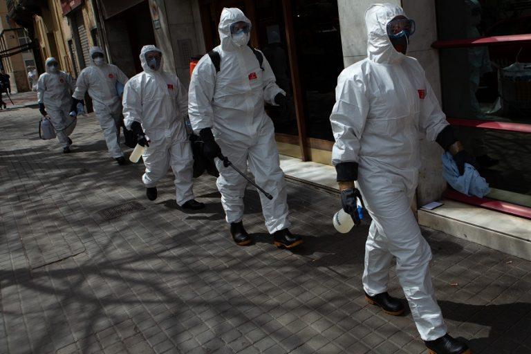 Η Ευρώπη περιμένει την κορύφωση της πανδημίας του κορωνοϊού- Οι ΗΠΑ σε θέση μάχης