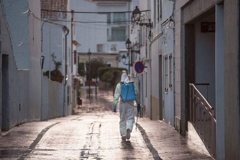 Δραματικό ρεκόρ στη Ισπανία: 950 νεκροί σε μία μέρα και σχεδόν 900.000 άνεργοι