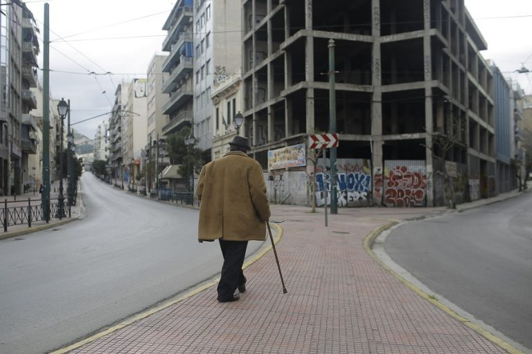 Γιατί η Capital Economics πιστεύει πως η Ελλάδα κινδυνεύει με μακρά περίοδο κρίσης και πολύ αργή ανάκαμψη