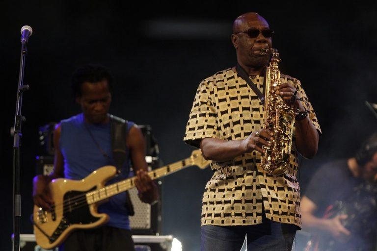 Πέθανε ο θρυλικός σαξοφωνίστας Μάνου Ντιμπάνγκο από κορωνοϊό