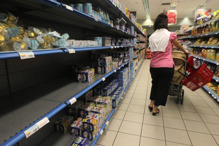 Παπαθανάσης: Κλειστά τα σούπερ μάρκετ την Κυριακή