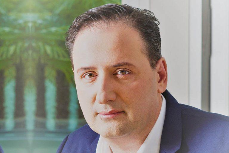 Νίκος Παπαθανασίου: Η Παπαστράτοςπάντα αποτελούσεπηγή έµπνευσηςκαι καινοτοµίας