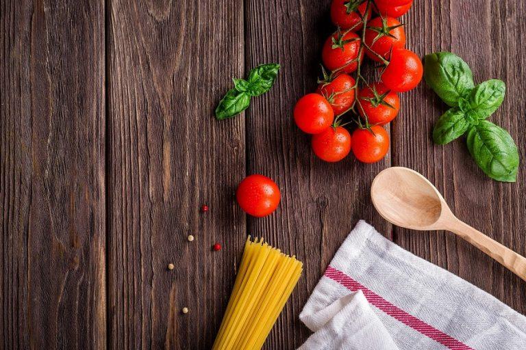 Κορωνοϊός-τρόφιμα: Επτά χρήσιμες συμβουλές για το μαγείρεμα από τον ΕΟΔΥ