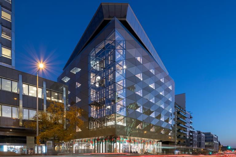 Η Galeries Lafayette ανοίγει το πρώτο της πολυκατάστημα στο Λουξεμβούργο, σχεδιασμένο από την Foster + Partners