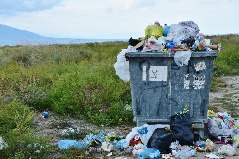 Κ. Χατζηδάκης: Έρχεται τέλος απορριμμάτων με βάση το βάρος τους