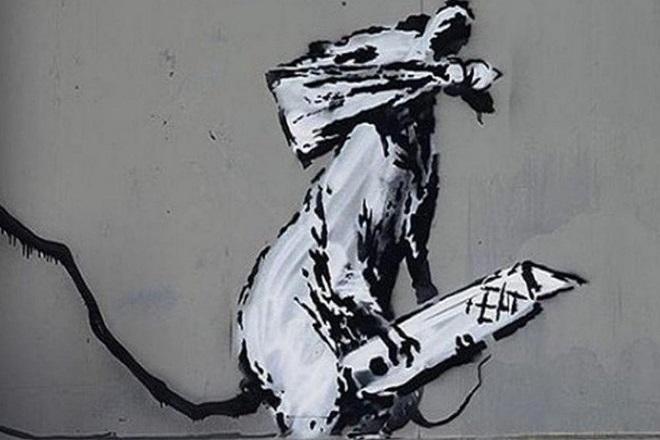 Ο ύποπτος για την κλοπή έργου του Banksy «δείχνει» τον δημιουργό ως αυτουργό
