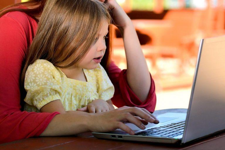 Τα παιδιά ξόδεψαν λιγότερο χρόνο παίζοντας παιχνίδια στον υπολογιστή εν μέσω lockdown