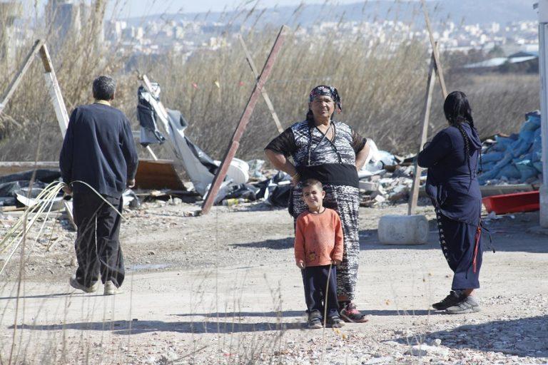 Σε καραντίνα οικισμός Ρομά στη Λάρισα- Ισχυρές αστυνομικές δυνάμεις την περιοχή