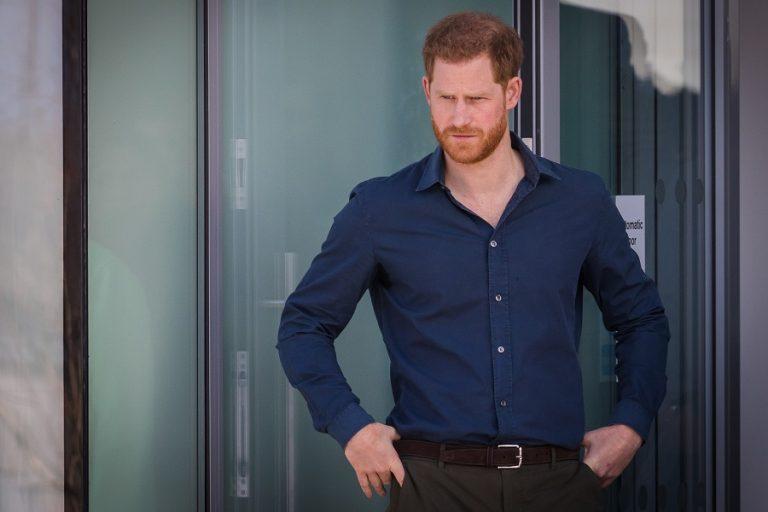 Πώς αντέδρασε ο πρίγκιπας Χάρι στην έρευνα για τη συνέντευξη της μητέρας του Νταϊάνα