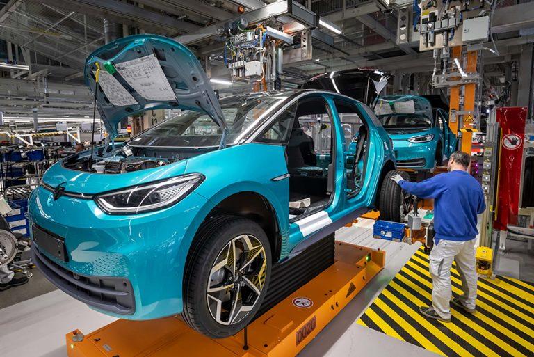 Παρέμβαση της κυβέρνησης ζητούν οι γερμανικές αυτοκινητοβιομηχανίες