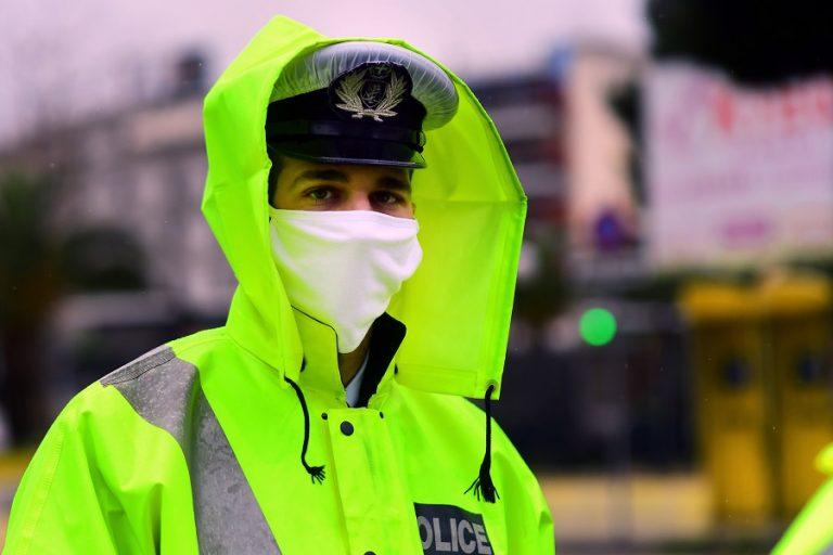 «Βροχή» προστίμων για μάσκες και μη τήρηση αποστάσεων- Δύο συλλήψεις για παράνομη λειτουργία επιχειρήσεων