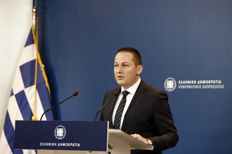 Στέλιος Πέτσας: «Να διαγράψει ο ΣΥΡΙΖΑ τον Νίκο Παππά» – Μετωπική σύγκρουση στη Βουλή