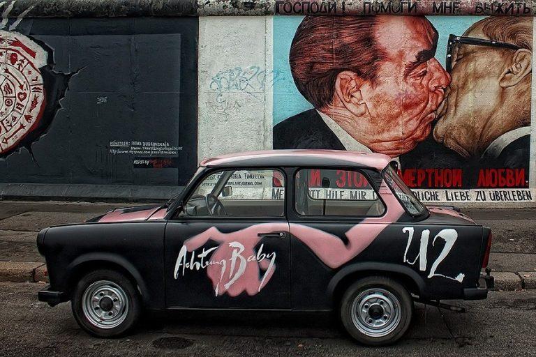 Τέχνη στα… μπαλκόνια του Βερολίνου εν μέσω κορωνοϊού
