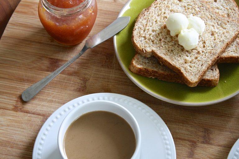 Τι τρώνε στην καραντίνα οι Έλληνες- Ποια προϊόντα εκτοξεύθηκαν σε πωλήσεις
