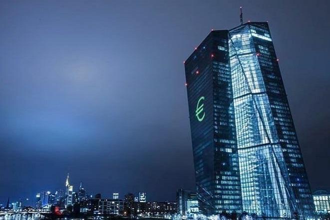 Υφεση 5,5% φέτος και ανάπτυξη 4,3% το 2021 «βλέπει» η ΕΚΤ στην Ευρωζώνη