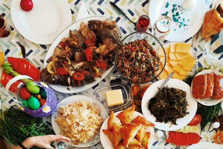 Έρευνα ΕΣΕΕ: Πόσο κοστίζει το πασχαλινό τραπέζι φέτος- Τα ψώνια της τελευταίας στιγμής