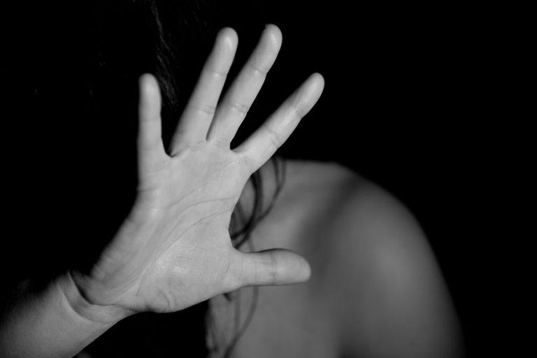 Έρευνα: Ένας στους δέκα Ευρωπαίους θύμα σωματικής βίας την τελευταία πενταετία