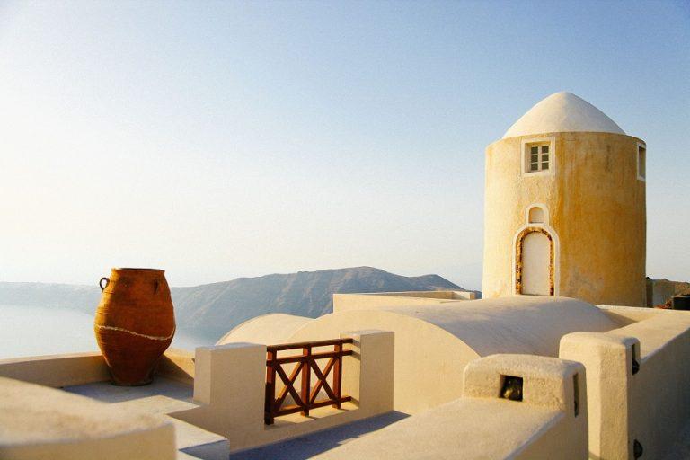 «Τεράστιες οι επιπτώσεις της πανδημίας στον ελληνικό τουρισμό», σχολιάζει ο γερμανικός Τύπος