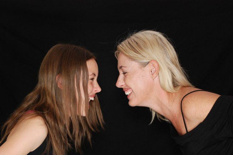 Οι ισορροπημένες οικογενειακές σχέσεις είναι πολύ σημαντικές για την ψυχολογία των εφήβων