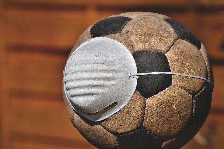 Ιδού πόσο έχει καταφέρει να μολύνει ο κορωνοϊός το ποδόσφαιρο