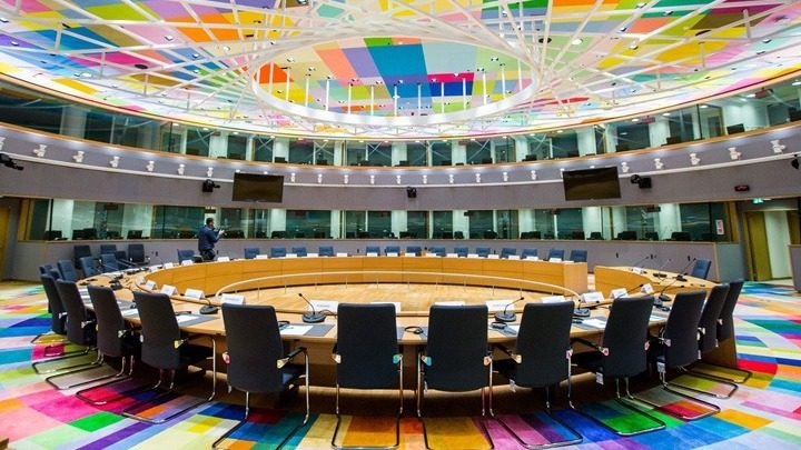 Στο Eurogroup της Παρασκευής κρίνεται η δημοσιονομική ευελιξία της χώρας