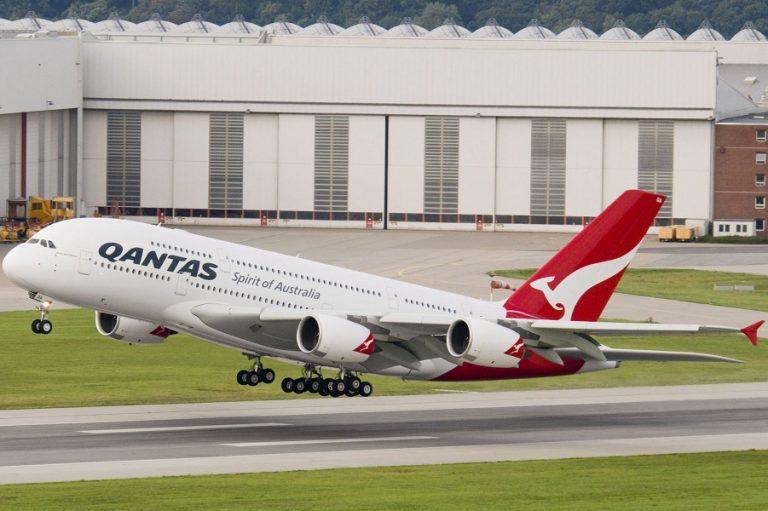 Qantas Airways: Περικοπή τουλάχιστον 6.000 θέσεων εργασίας και καθήλωση 100 αεροσκαφών